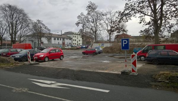 Vjezd na parkoviště od Futura | FOTO: MěÚ Kolín